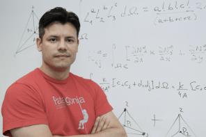 Geophysicist Associate Professor Juan Afonso - Recipient of the Anton Hales Medal